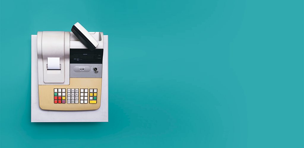 Using a cash register when making your first sale through ecommerce