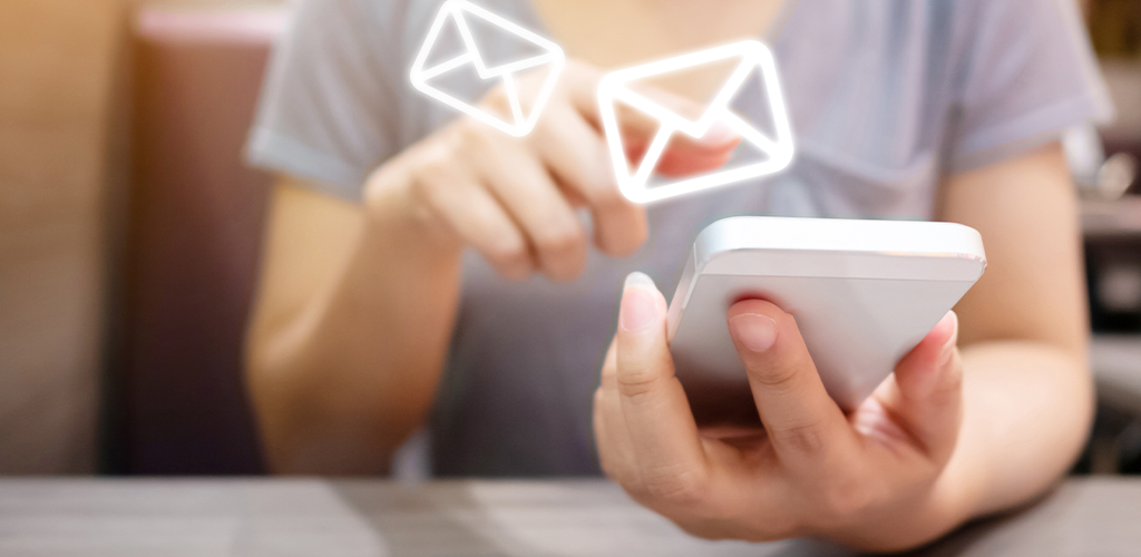Contacting a supplier via email on mobile phone